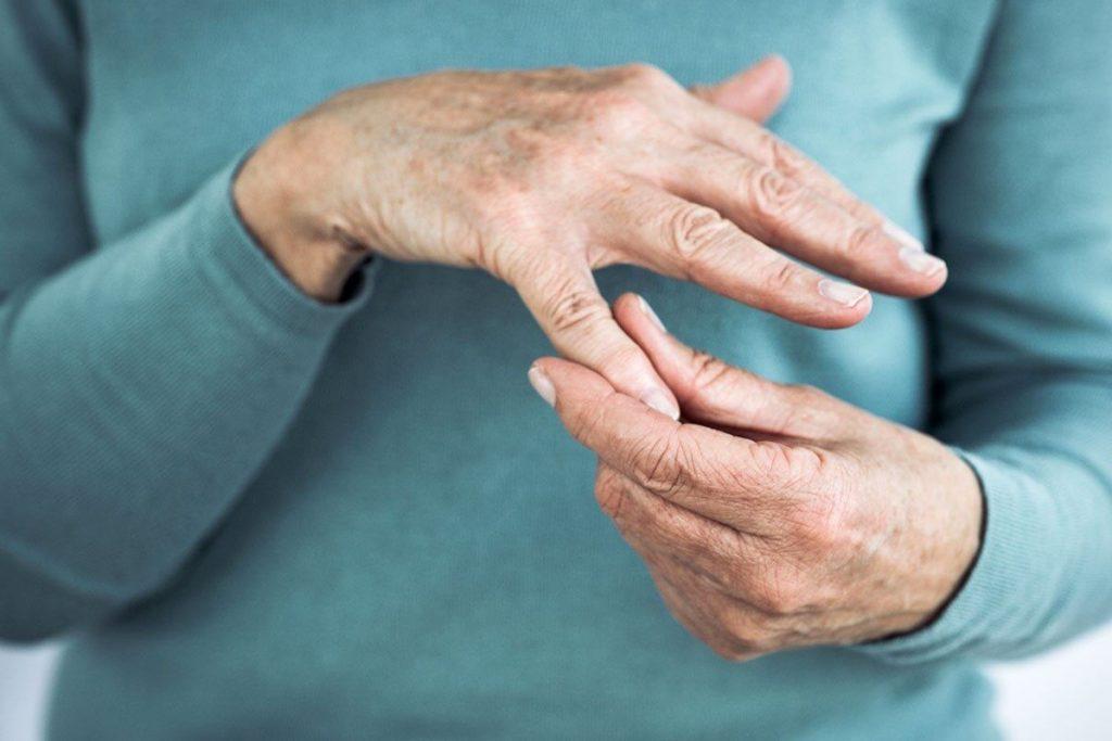 Six Natural Therapies You Can Do to Treat Arthritis Pain